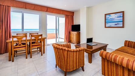 Apartamento familiar superior con vistas al mar
