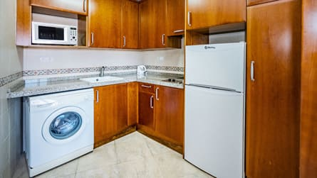 4-apartamento-familiar-superior-cocina.jpg
